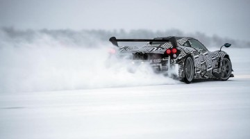 Pagani Huayra BC On Ice 01
