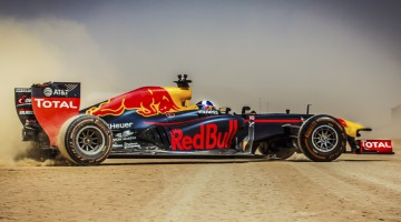 David Coulthard performs during the Red Bull Racing F1 Car Tour in Wadi Rum, Jordan on April 25th, 2016 // Farras Oran / Red Bull Content Pool // P-20160504-07810 // Usage for editorial use only // Please go to www.redbullcontentpool.com for further information. //