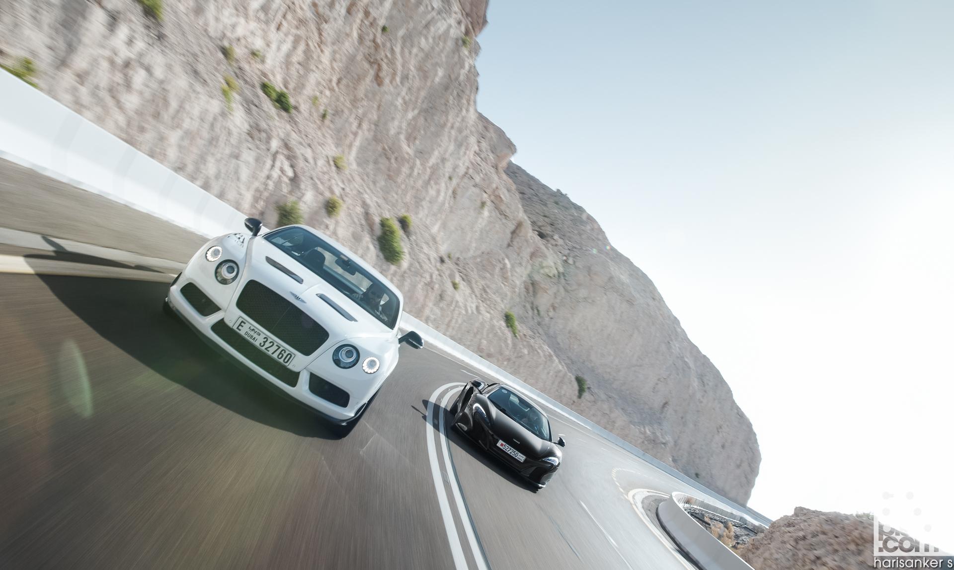 Bentley-Continental-GT3-R-vs-McLaren-650S-Spider-Wallpapers-6