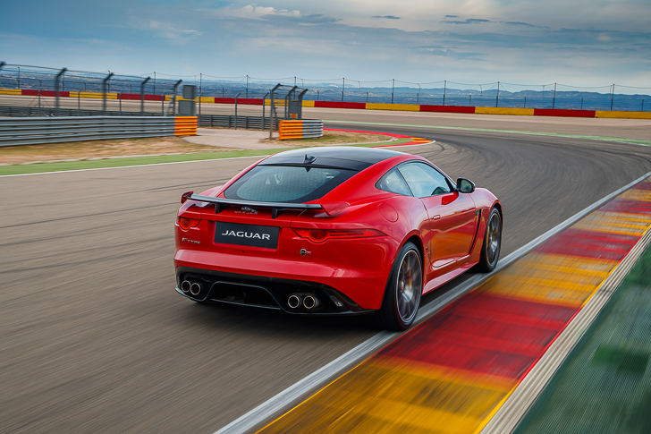 Jaguar F-TYPE SVR-46