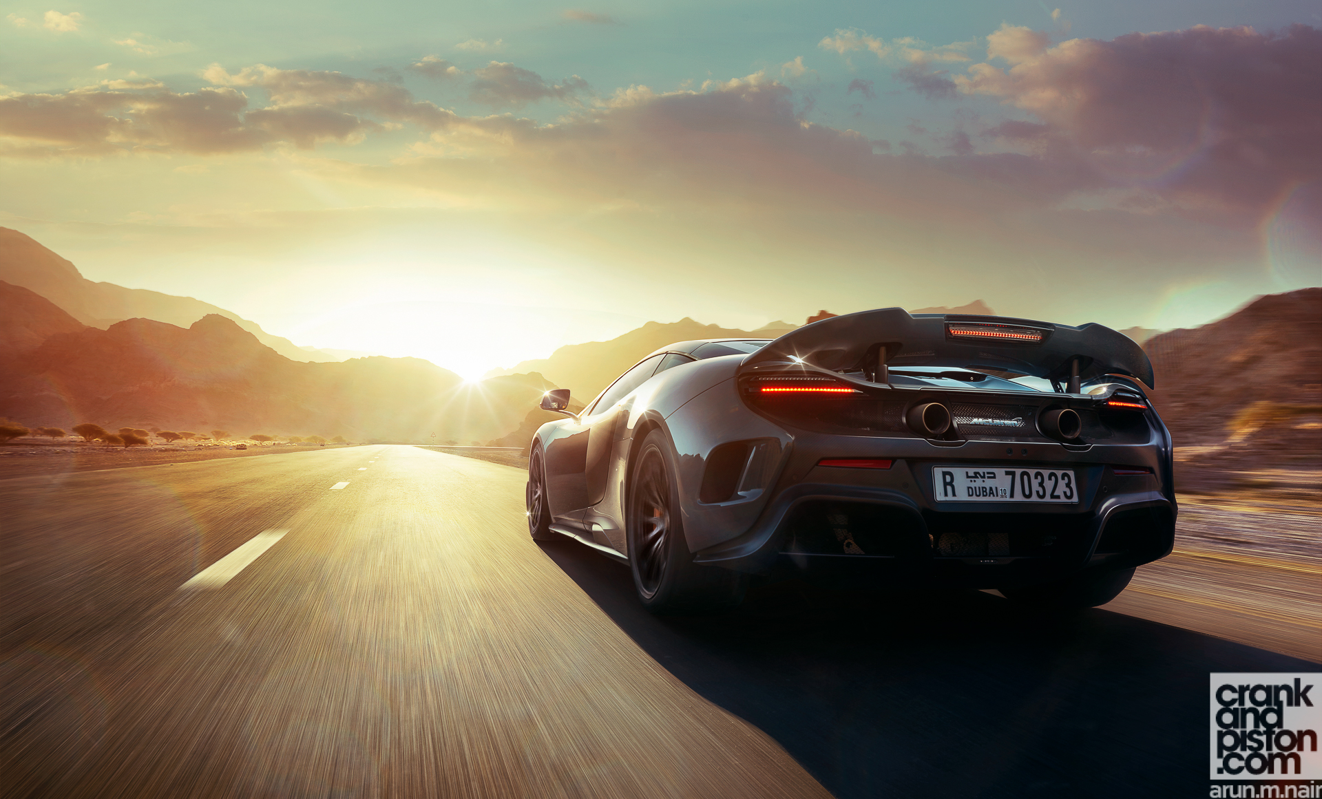 McLaren 675LT WALLPAPERS crankandpiston-5