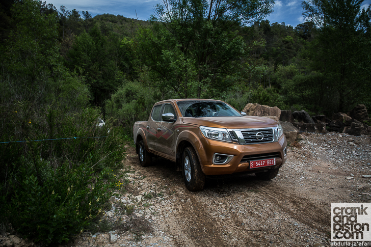 Nissan Navara NP300 REVIEW crankandpiston-18