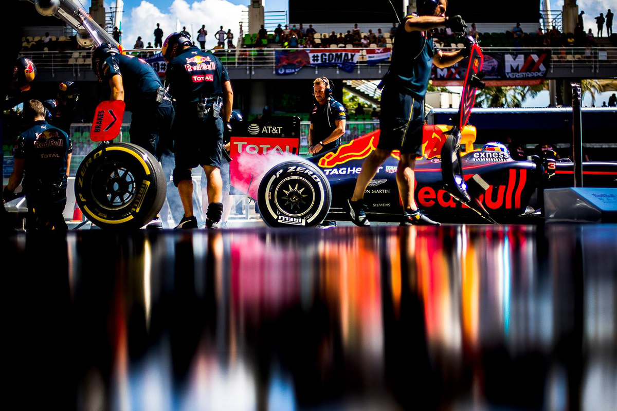 INTERVIEW. Red Bull Racing. 2016-1
