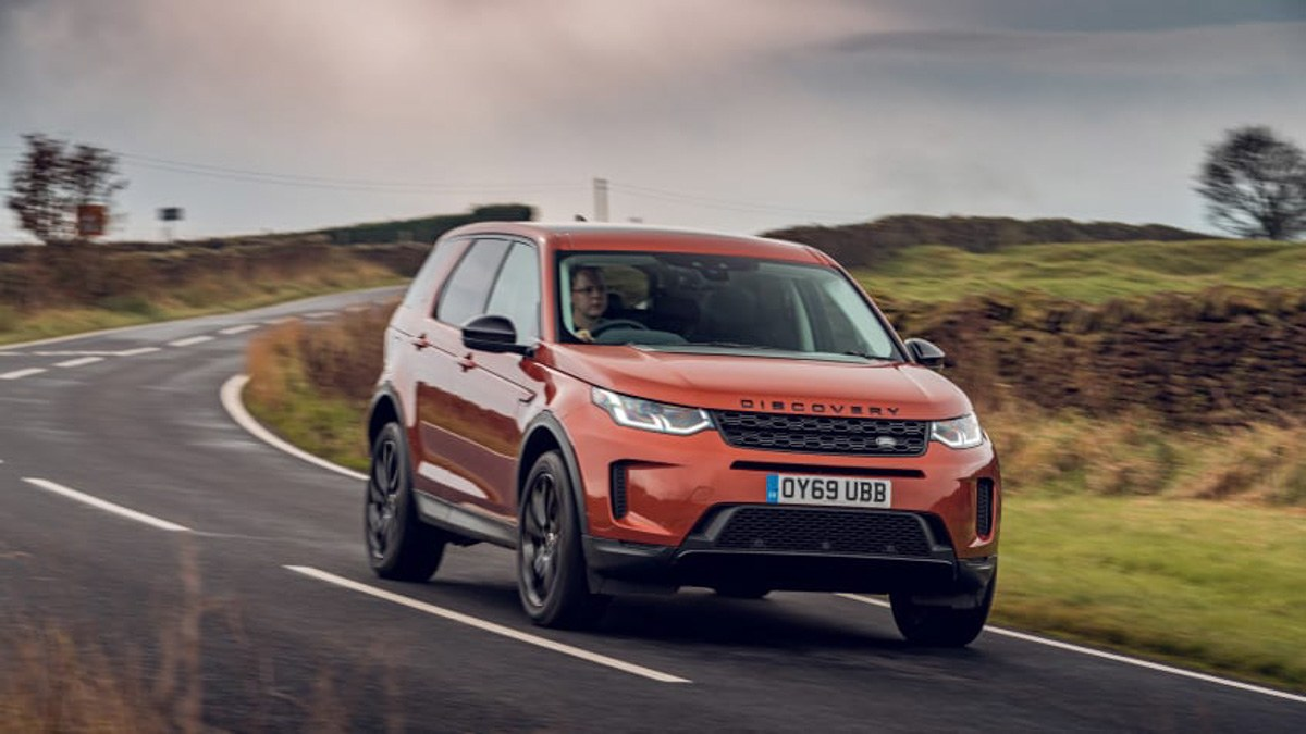 2019-Land-Rover-Discovery-Sport-D180-SE-1