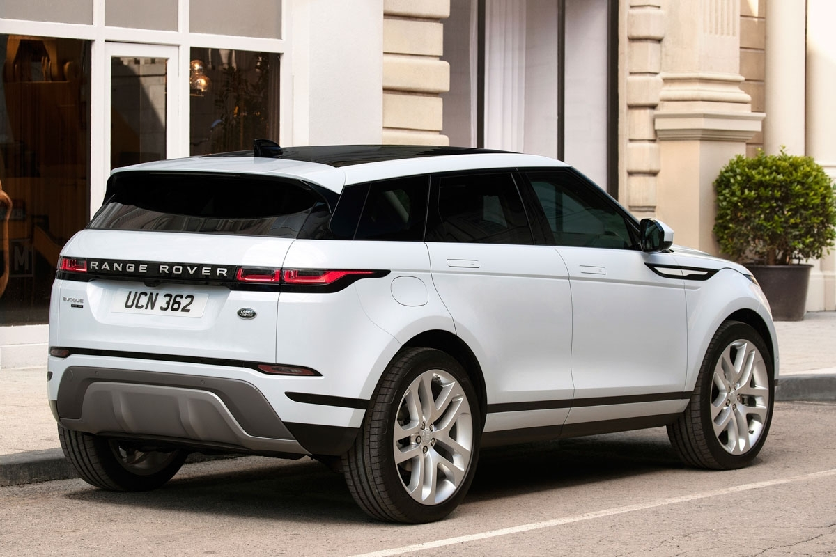 all new 2019 range rover evoque revealed life just got harder for the volvo xc40. Black Bedroom Furniture Sets. Home Design Ideas