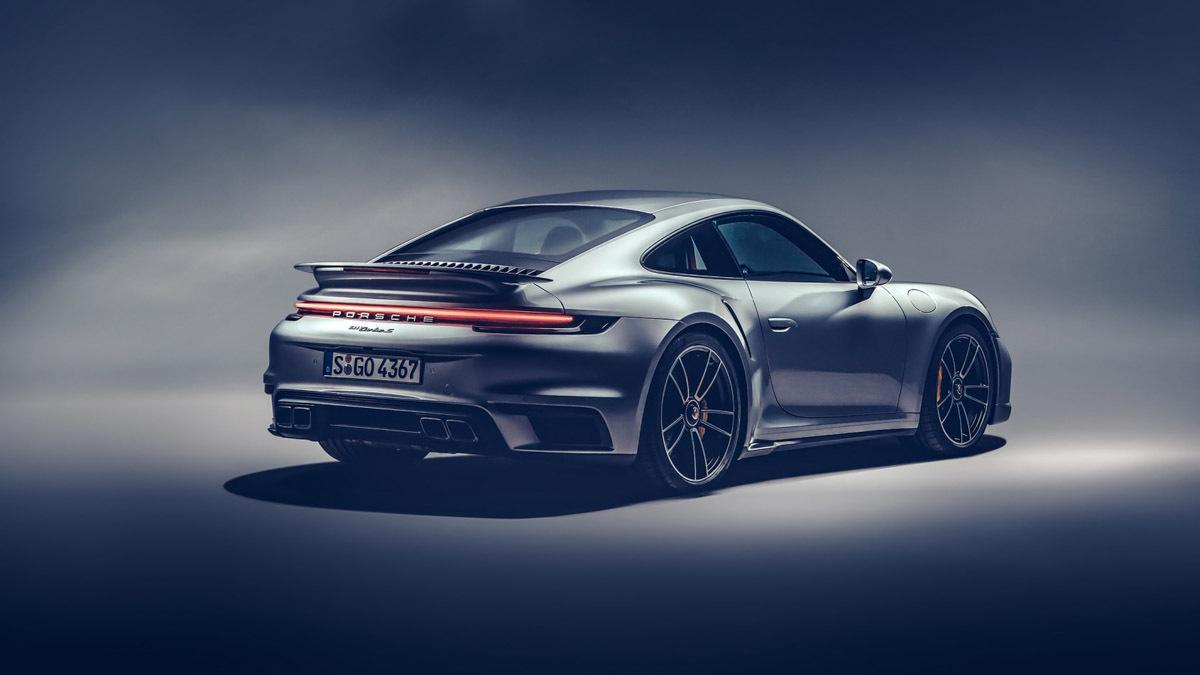 2020-Porsche-911-Turbo-S-2