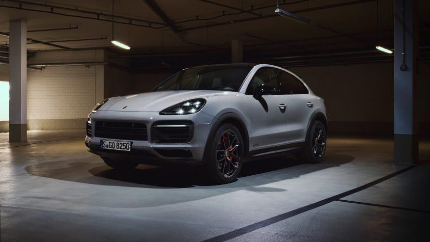 2020-Porsche-Cayenne-GTS-1