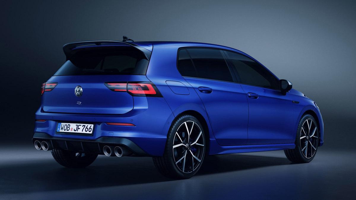 2020-Volkswagen-Golf-R-2
