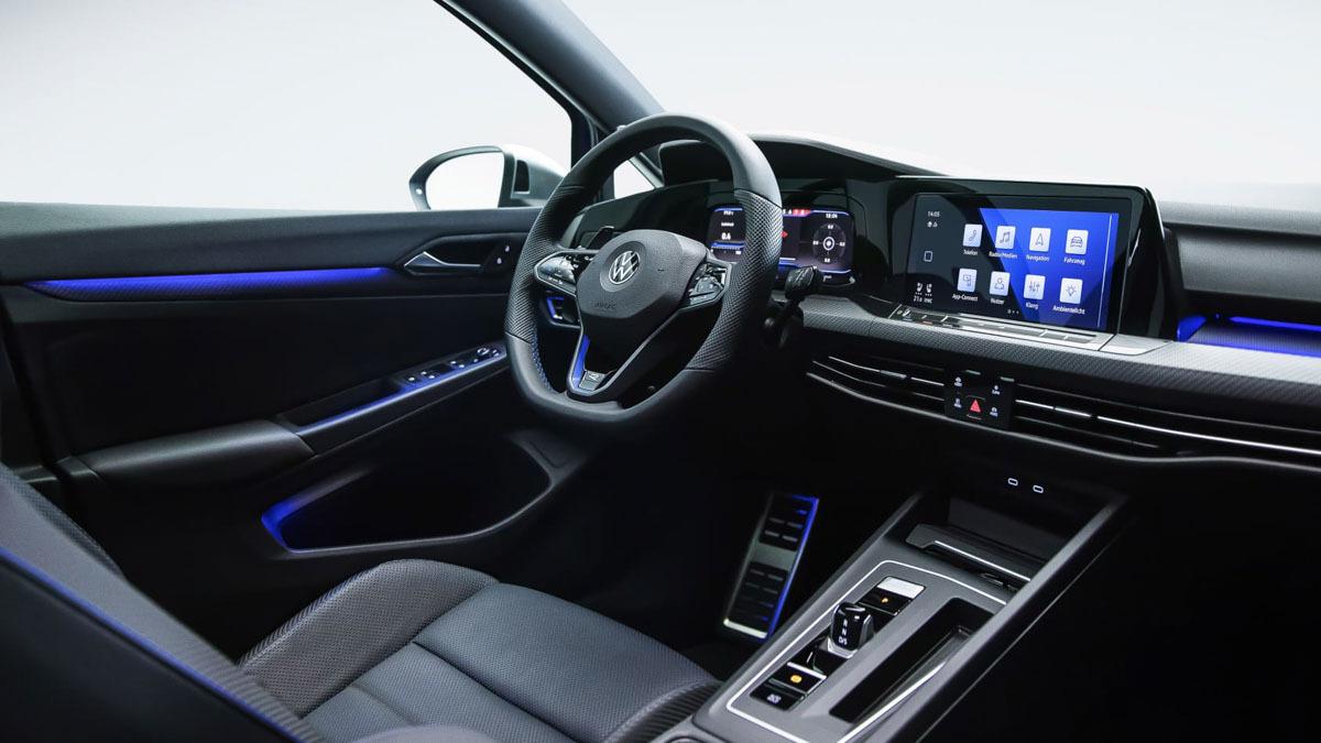 2020-Volkswagen-Golf-R-3