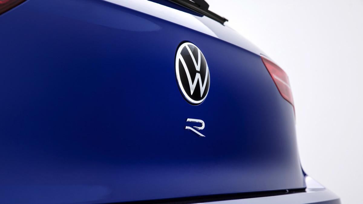 2020-Volkswagen-Golf-R-6