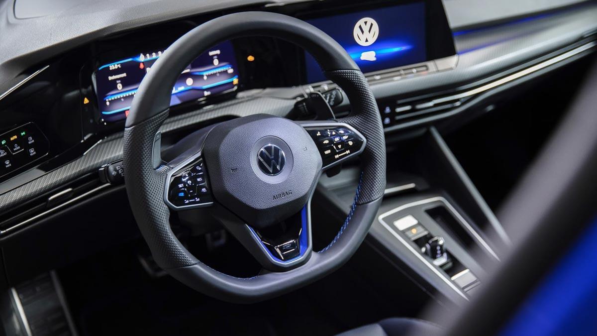 2020-Volkswagen-Golf-R-7