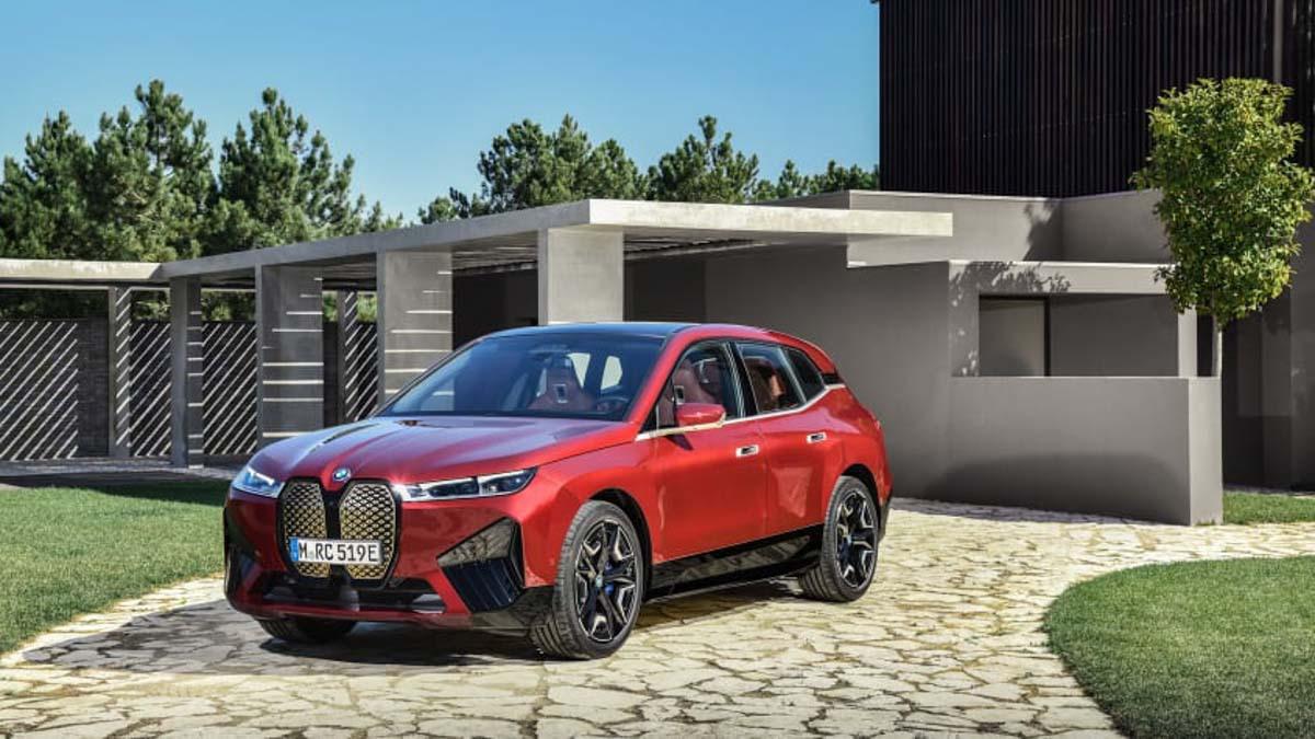 2021-BMW-iX-1