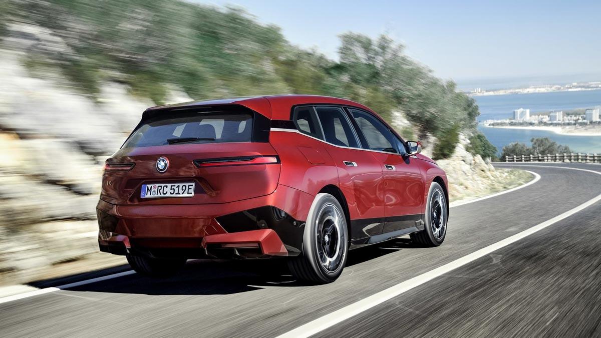 2021-BMW-iX-2
