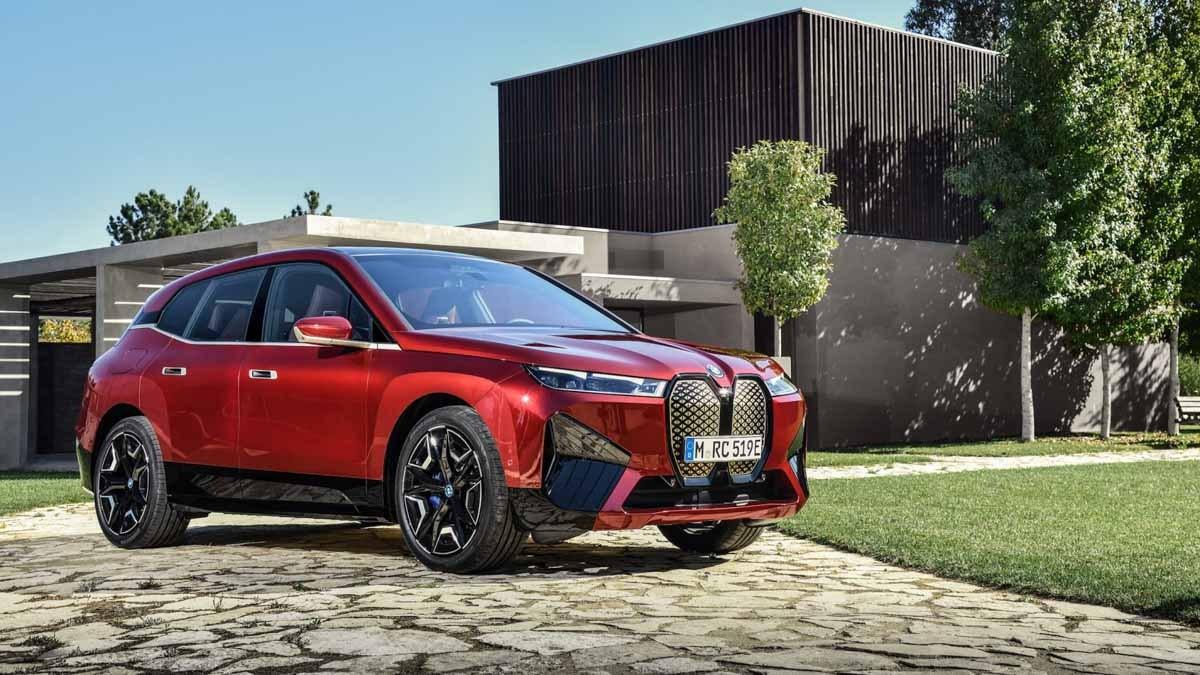 2021-BMW-iX-4