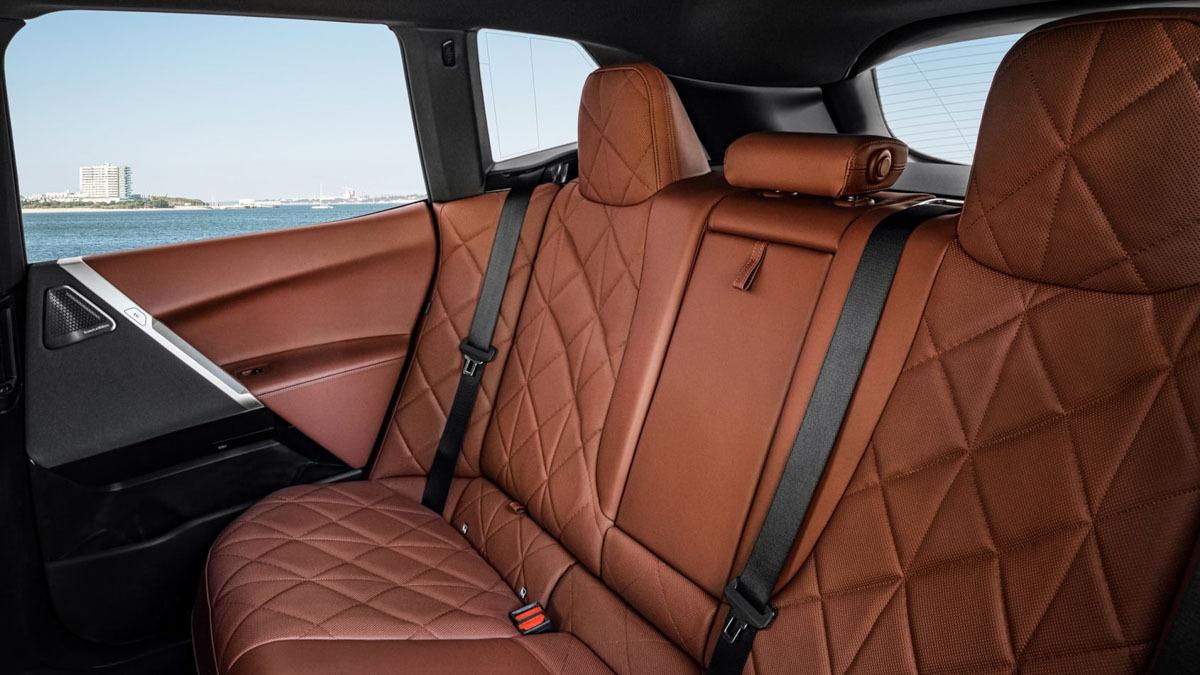 2021-BMW-iX-6