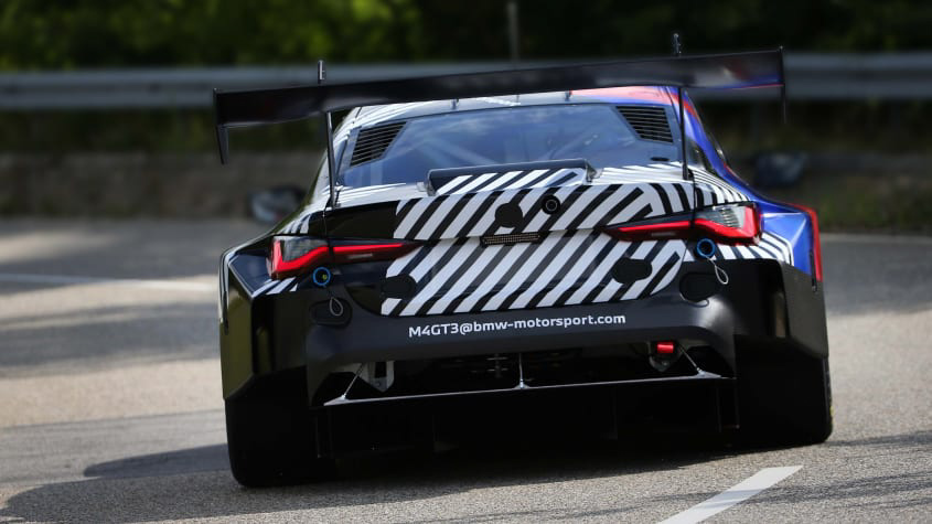 2021-BMW-M4-GT3-1