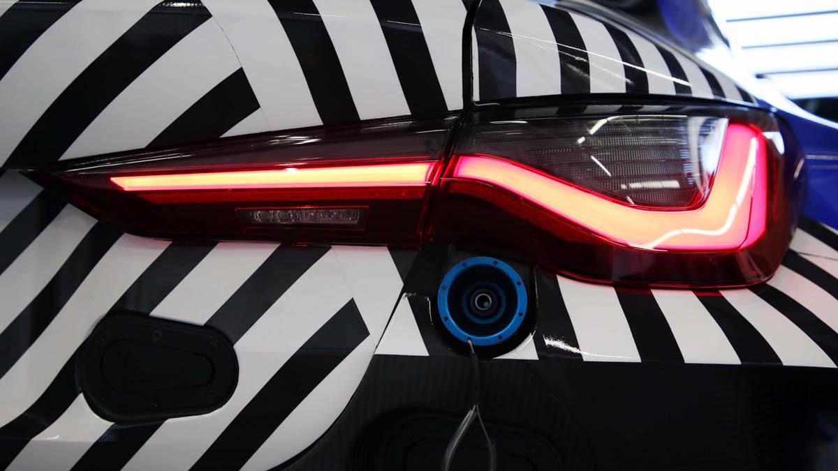 2021-BMW-M4-GT3-2