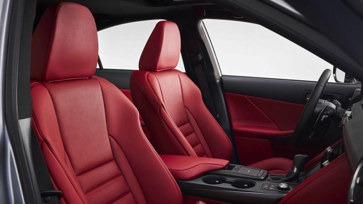 2021-Lexus-IS-saloon-10