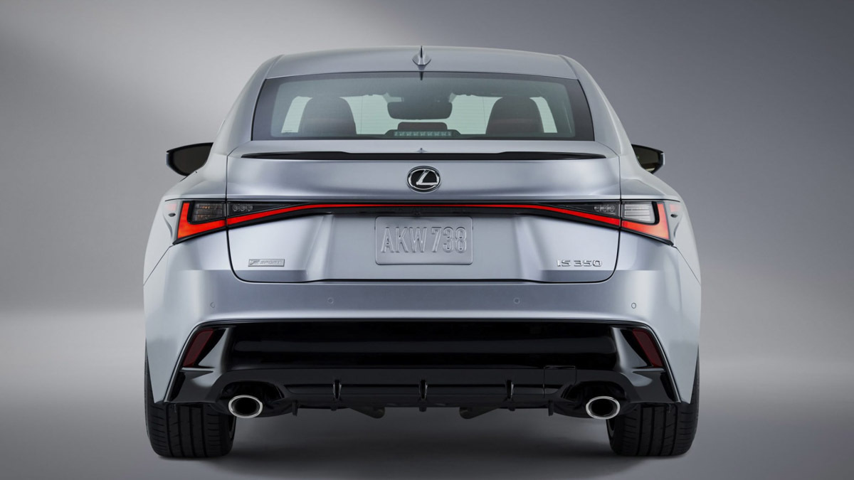 2021-Lexus-IS-saloon-5