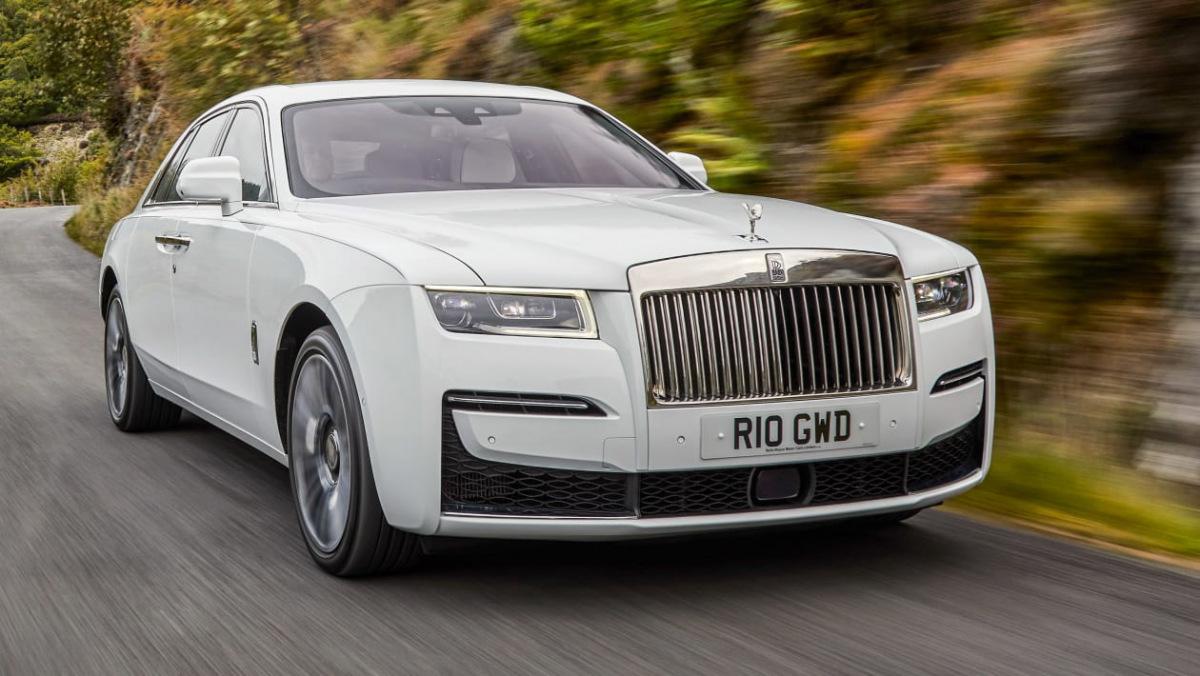 2021-Rolls-Royce-Ghost-1