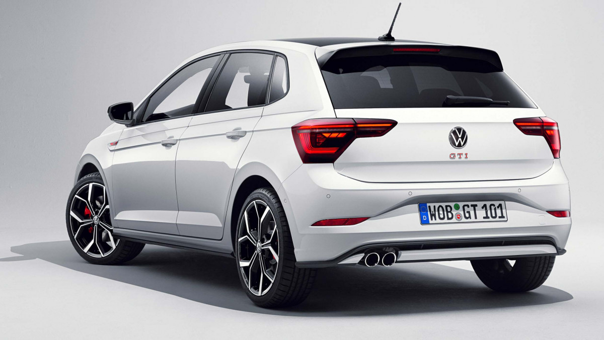 2021-Volkswagen-Polo-GTI-2