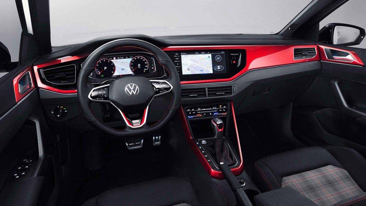 2021-Volkswagen-Polo-GTI-3