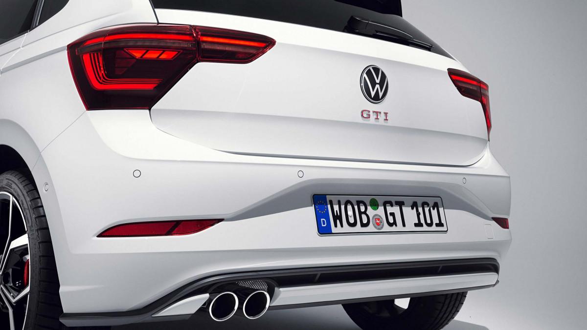 2021-Volkswagen-Polo-GTI-5