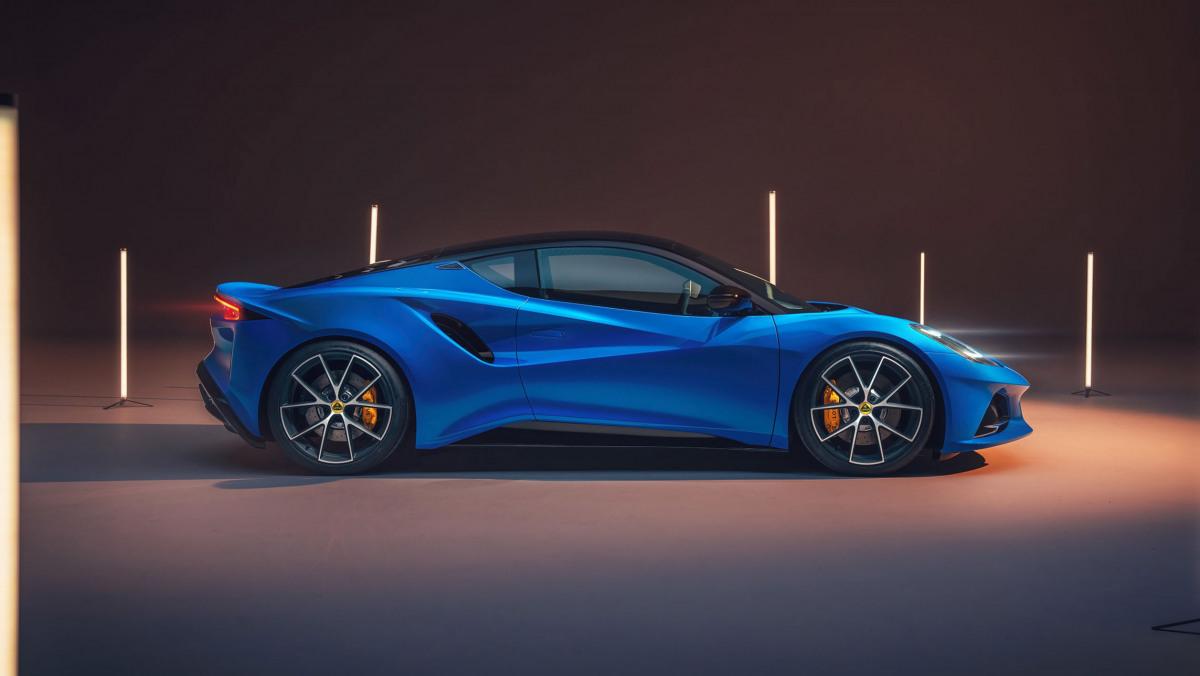 2022-Lotus-Emira-2