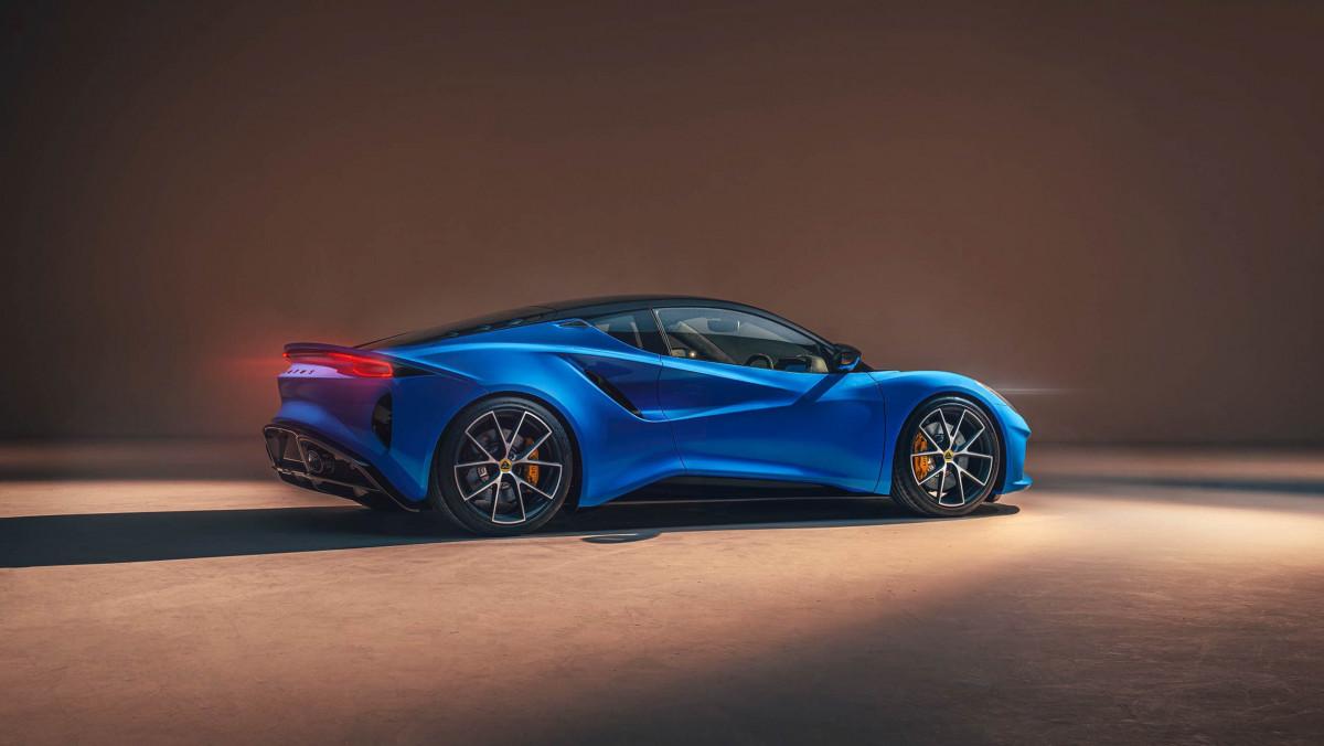 2022-Lotus-Emira-8