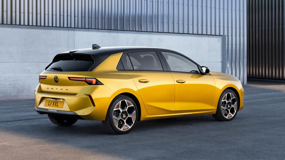 2022-Vauxhall-Astra-2