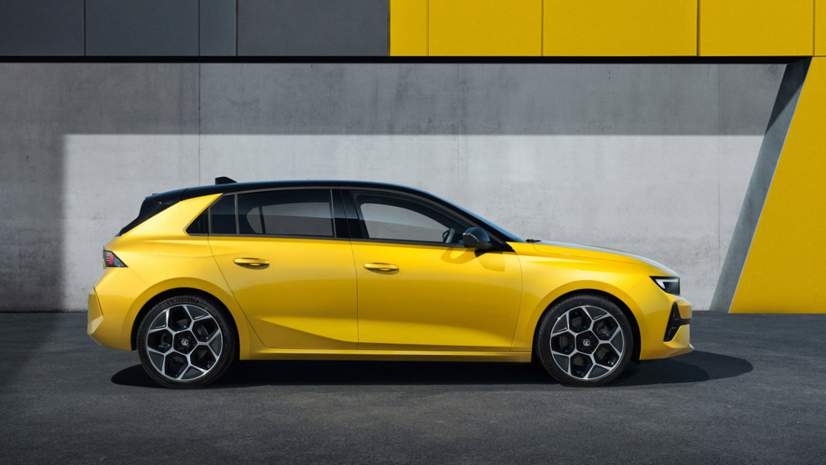 2022-Vauxhall-Astra-9