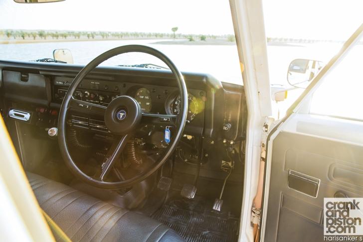 Toyota. Land Cruiser meets 1980 FJ 56V crankandpiston-12