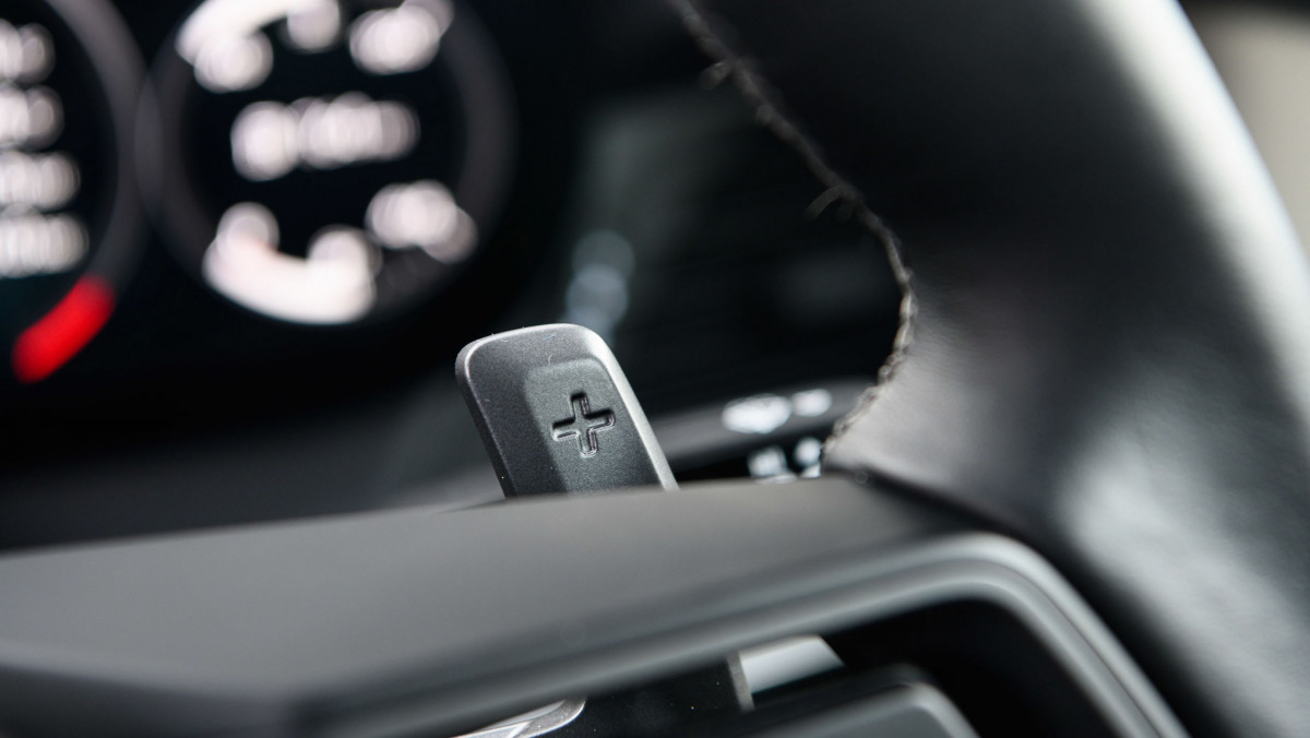 911-Carrera-vs-Evora-GT410-11