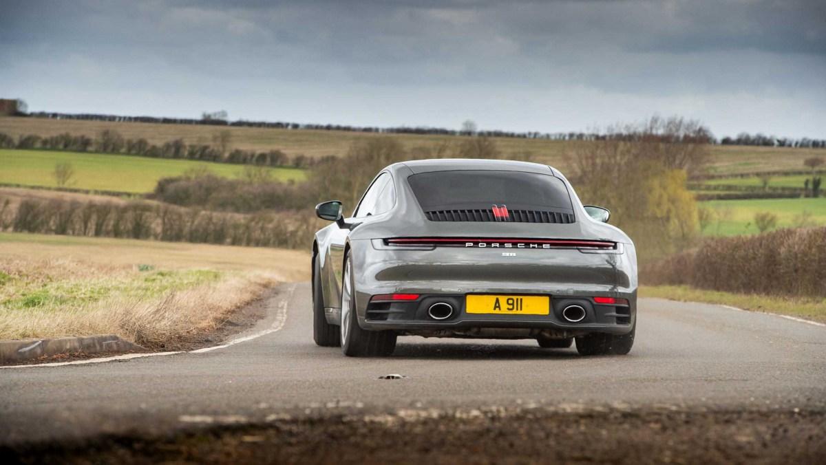 911-Carrera-vs-Evora-GT410-3