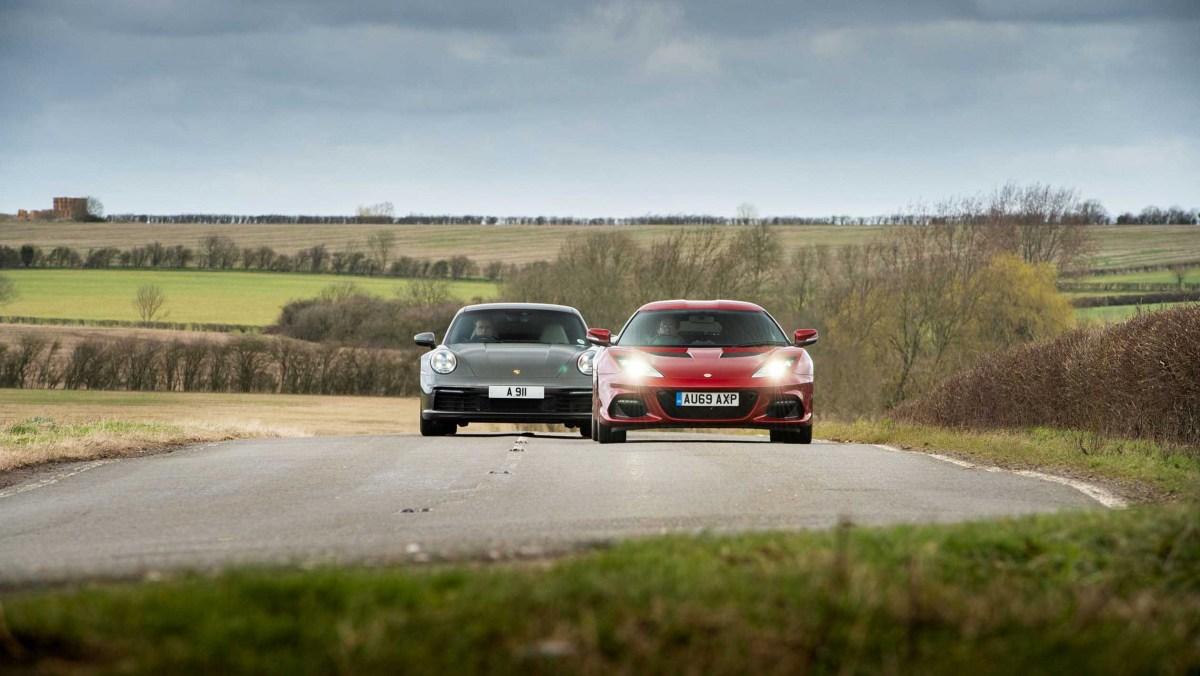 911-Carrera-vs-Evora-GT410-4