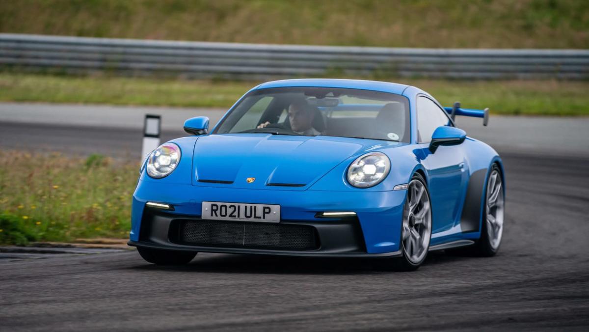 992-Porsche-911-GT3-manual-1