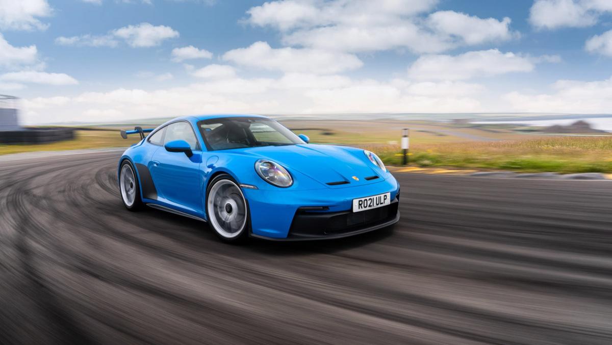 992-Porsche-911-GT3-manual-10