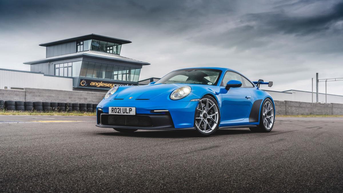 992-Porsche-911-GT3-manual-11