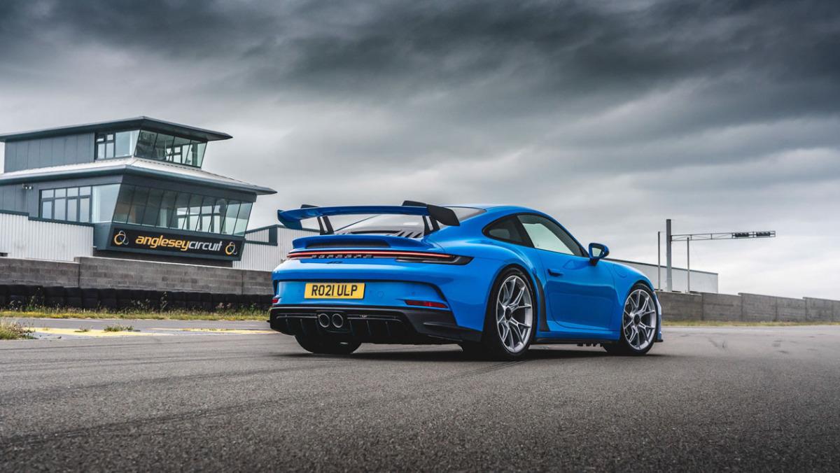 992-Porsche-911-GT3-manual-12