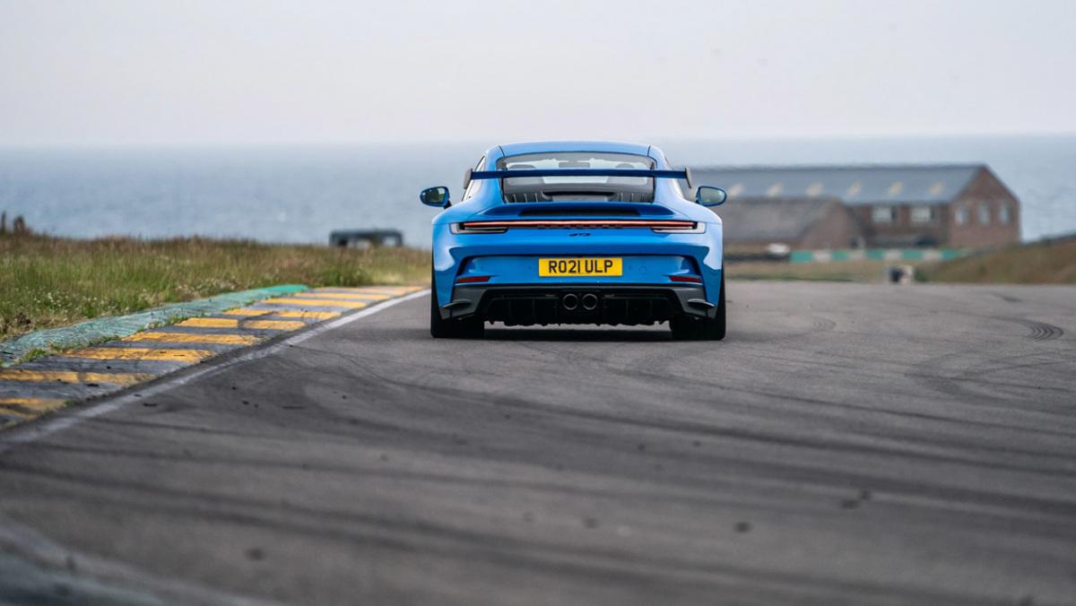 992-Porsche-911-GT3-manual-3