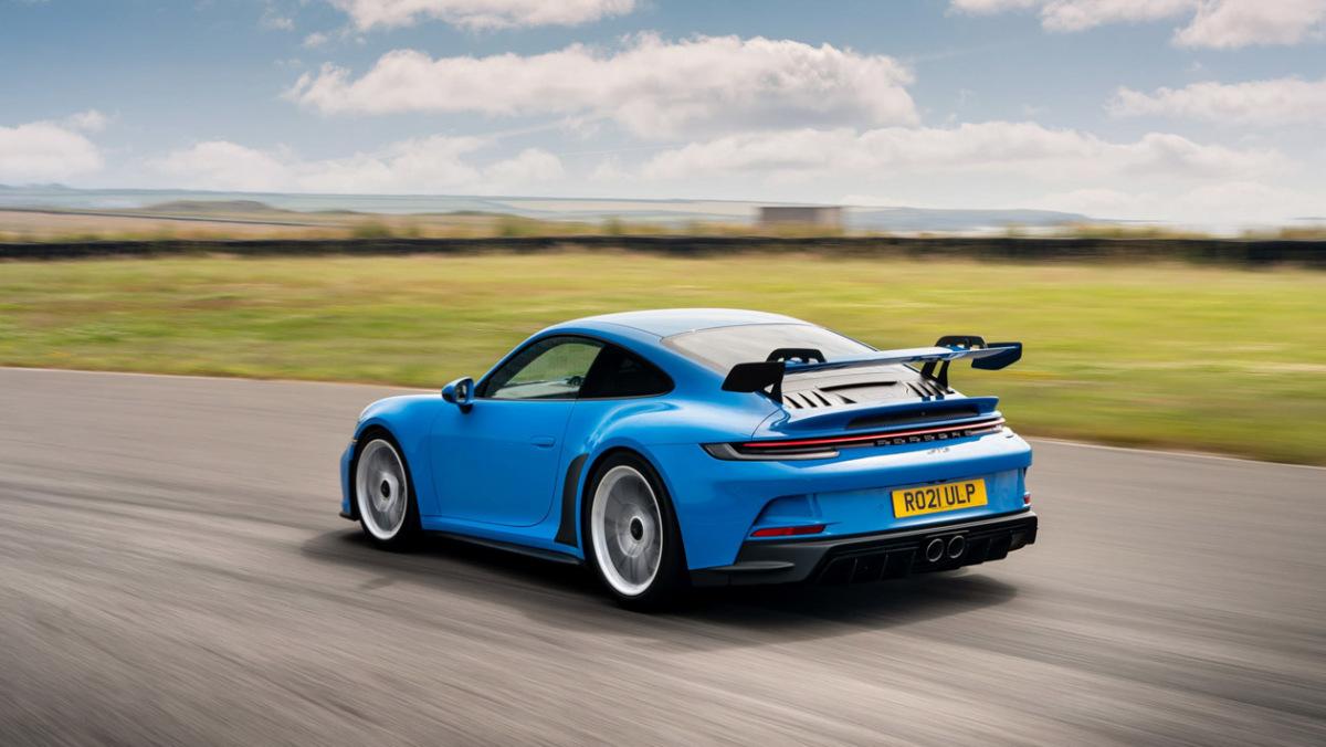 992-Porsche-911-GT3-manual-7