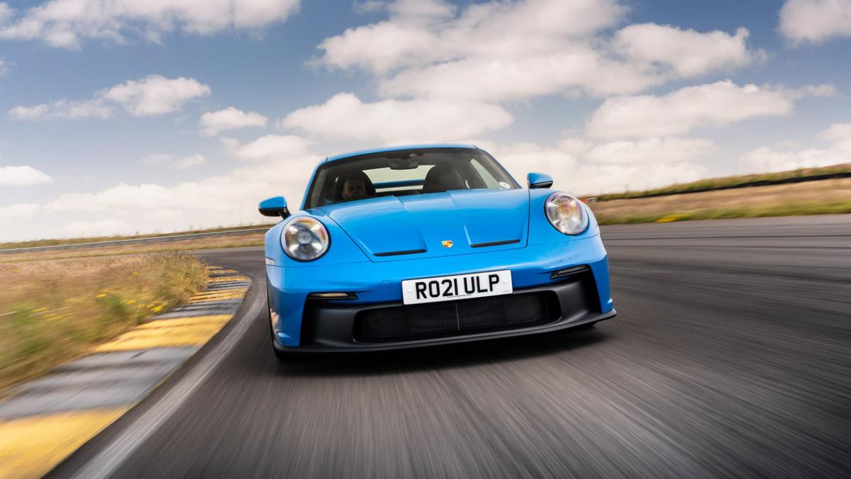 992-Porsche-911-GT3-manual-9