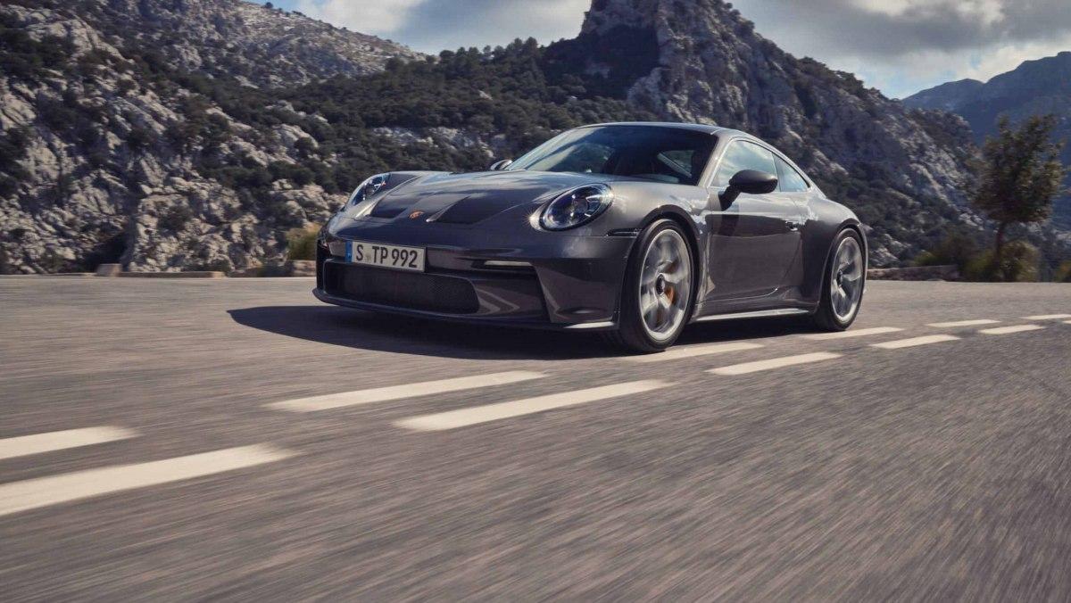 992-Porsche-911-GT3-Touring-01