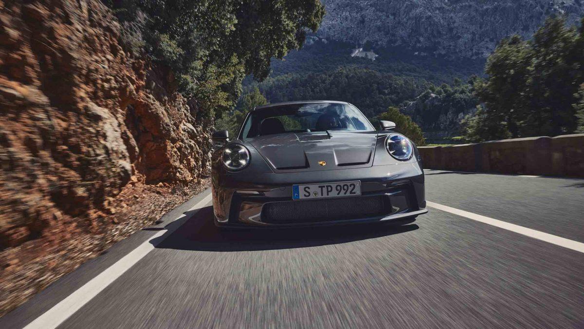 992-Porsche-911-GT3-Touring-013