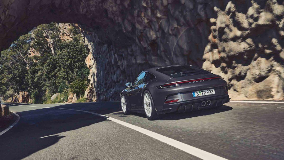 992-Porsche-911-GT3-Touring-1