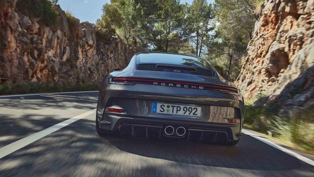 992-Porsche-911-GT3-Touring-12