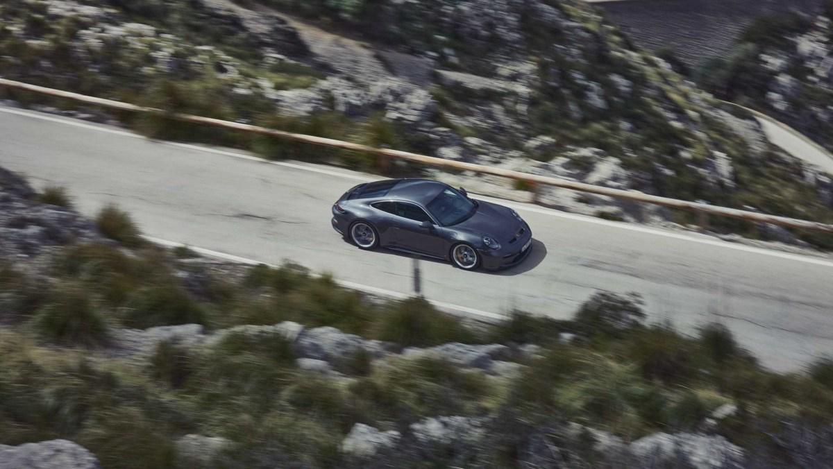 992-Porsche-911-GT3-Touring-13