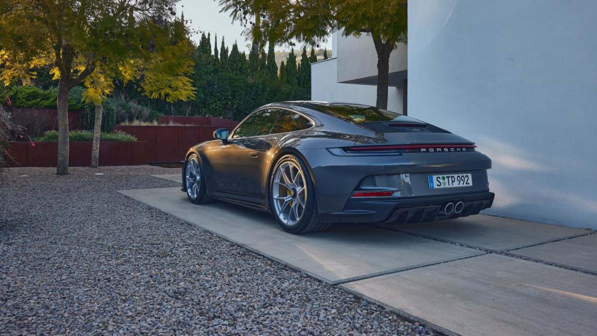992-Porsche-911-GT3-Touring-15
