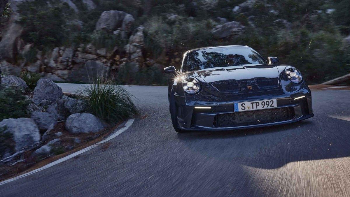 992-Porsche-911-GT3-Touring-9