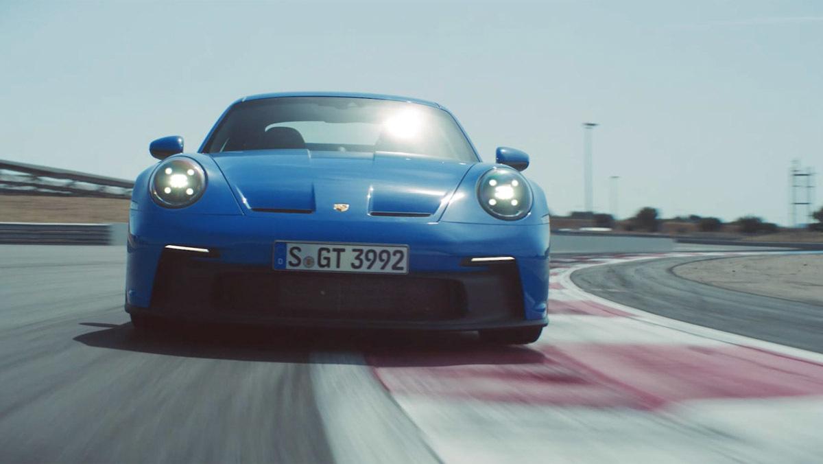 992-Porsche-911-GT3-11